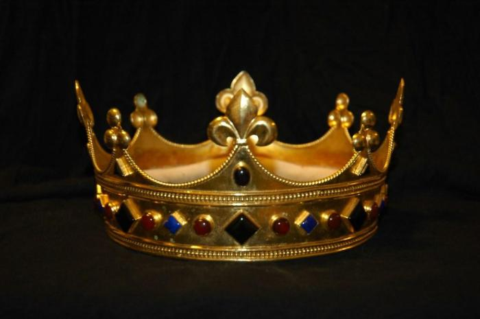 Are You a Crown?